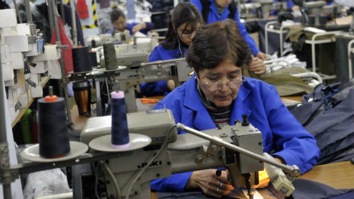 mgr trabajadora bono - Informe: la mitad de los profesionales cordobeses tienen más de un trabajo