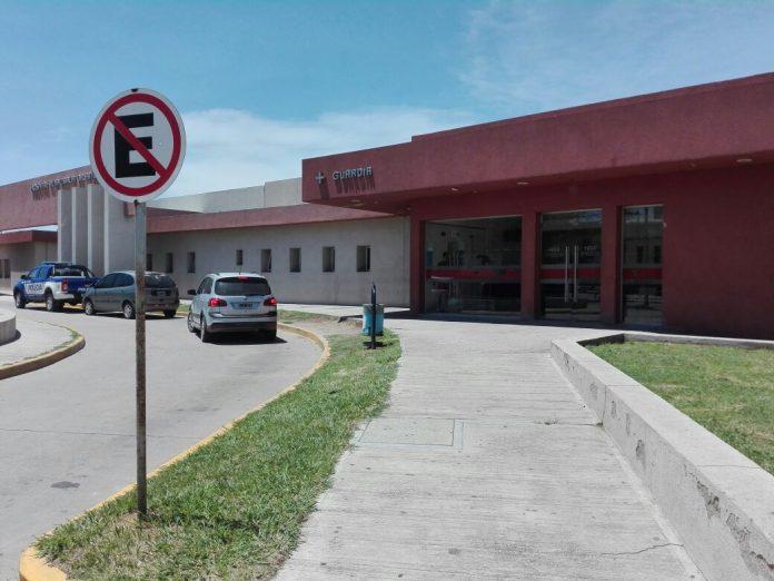 hospital illia guardia - Una mujer sufrió algunos golpes luego de chocar contra un auto