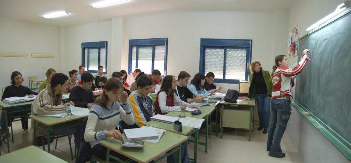 aula adolescentes - No es obligatorio pagar cooperadora ni inscripción en las escuelas públicas