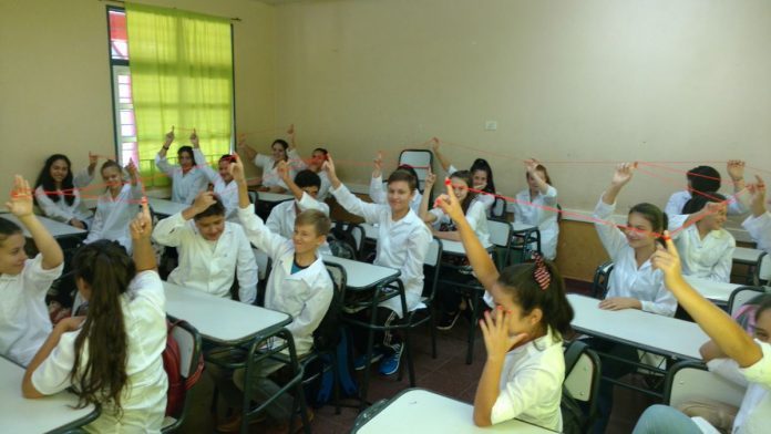 aulas alumnos - Varias escuelas arrancan con presencialidad plena en cursos puntuales