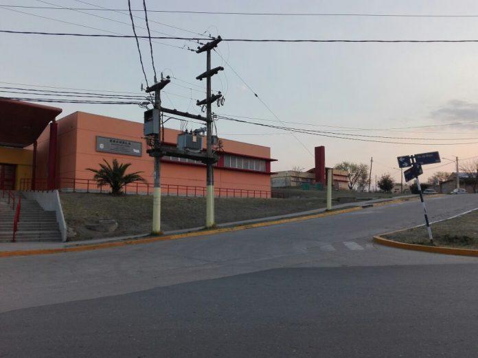 transformador liniers - Cientos de familias afectadas por un desperfecto de luz en barrio Liniers