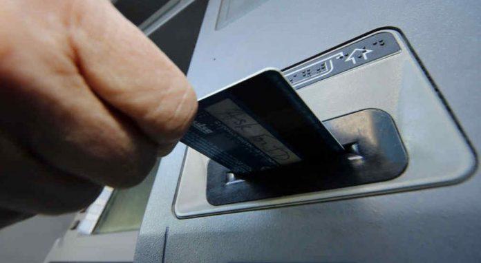 cajero - El Gobierno de Córdoba emplazó a los bancos a profundizar medidas de seguridad