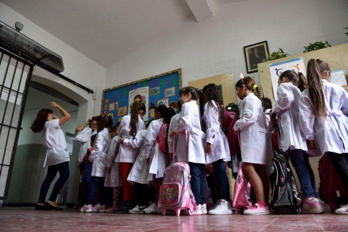 escuela niños clases - Vuelta a las aulas: en los primeros 15 días se activó 1.082 veces el protocolo
