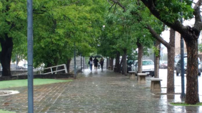 lluvia alta gracia paraguas - Se prevé un sábado lluvioso