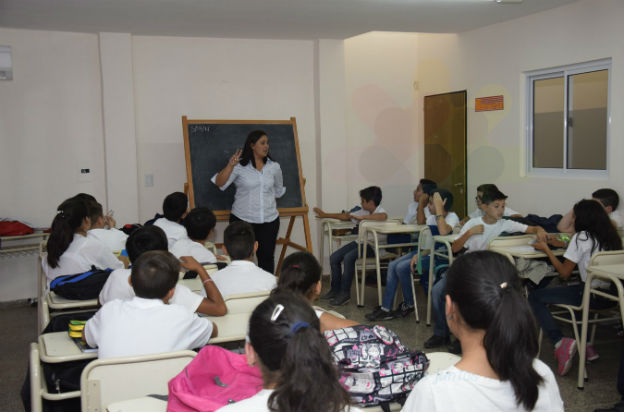 escuela - Padres organizados pedirán reforzar la presencialidad plena