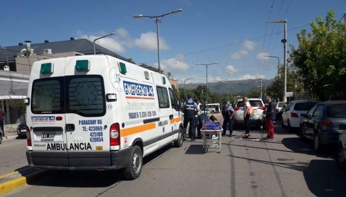 accidente sarmiento E - Una mujer fue atropellada en calle Sarmiento