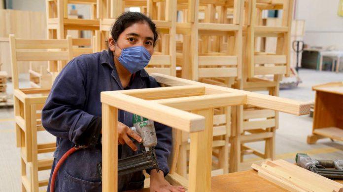 mujer y trabajo por mi - Mujeres profesionales ganan 42% menos que los hombres en el sector privado de Córdoba