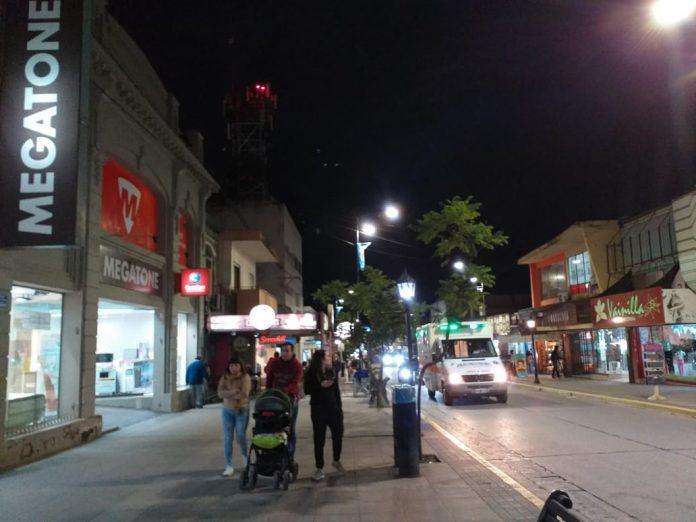 centro noche ciudad - A partir de este viernes rigen nuevos horarios para comercios de la ciudad