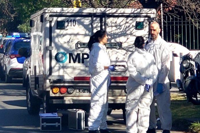 policia judicial cientifica - Tras sufrir una descompensación, falleció un hombre en la vía pública