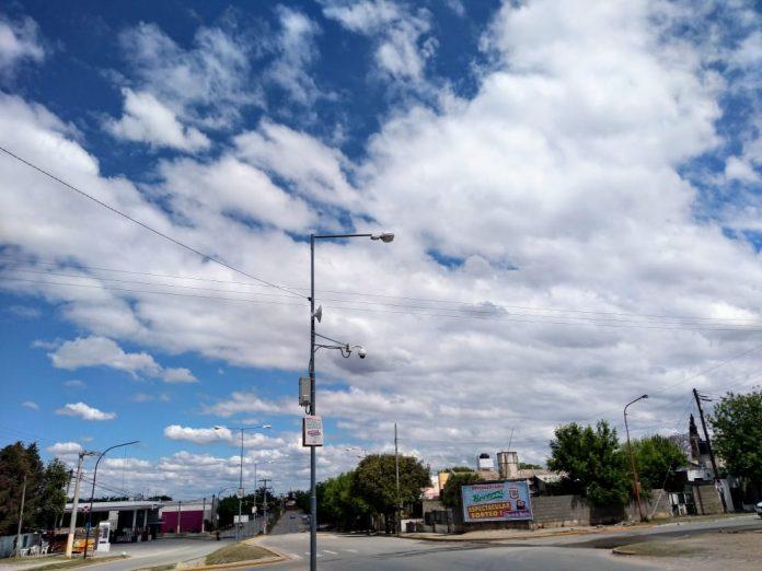 inestable nubes - Miércoles caluroso y húmedo