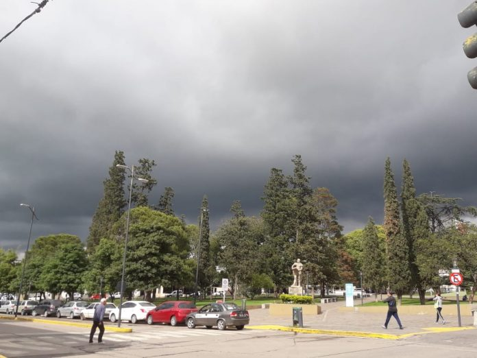 alerta tormenta alta gracia plaza - Alerta por tormentas fuertes y ocasional caída de granizo