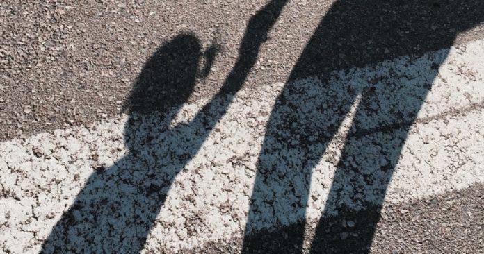 nena papa sombra Justicia Cordoba - Autorizaron a un niño a cambiarse el apellido de su padre femicida