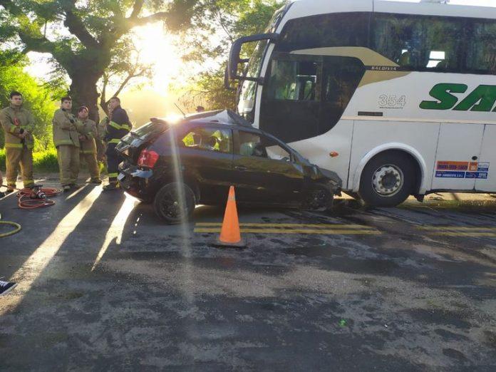 accidente fatal ruta 38 - Choque frontal entre un auto y un colectivo: un muerto