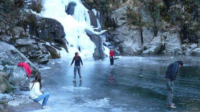 cascada calamuchita - Se congeló la cascada Salto del Tigre del valle de Calamuchita
