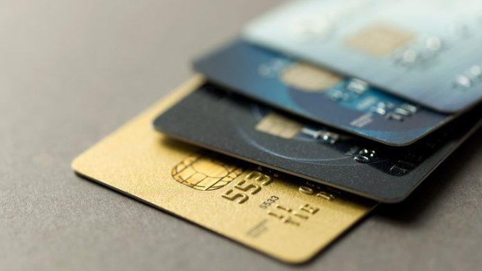 tarjetas de credito - Defensa al Consumidor multó a empresas de bienes y servicios