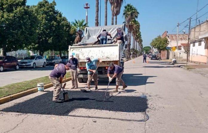 bacheo alfonsin - Continúa el plan de bacheo de la calles de nuestra ciudad