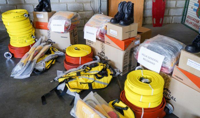 insumos bomberos - Despeñaderos recibió insumos y herramientas para bomberos