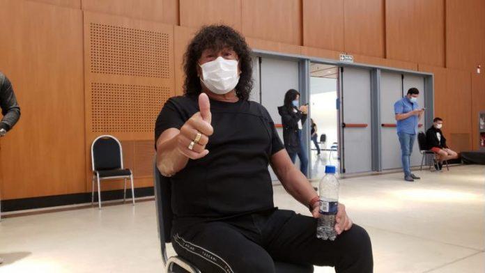 "mona jimenez vacunacion 1 - La Mona se vacunó contra el coronavirus: ""Yo no soy VIP"""