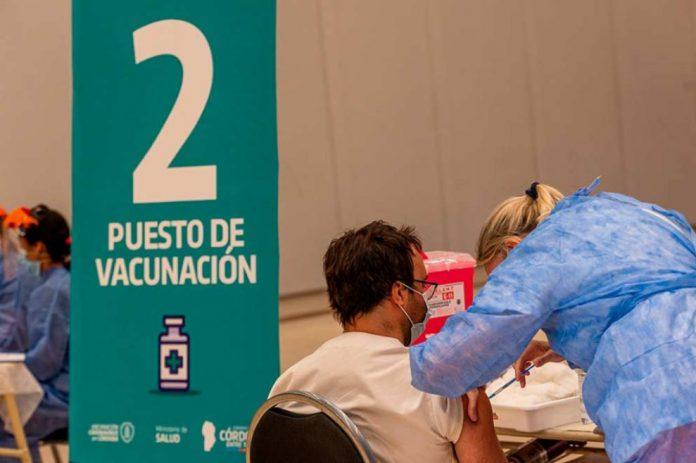 vacunacion covidok - Analizan aplicar restricciones a personas no vacunadas