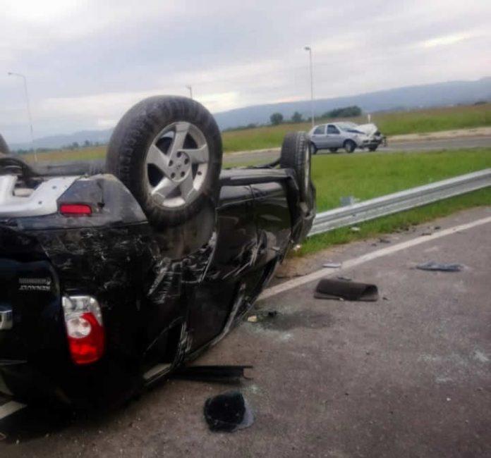WhatsApp Image 2021 03 14 at 10.55.21 1 - Fuerte impacto entre vehículos en el ingreso a Alta Gracia