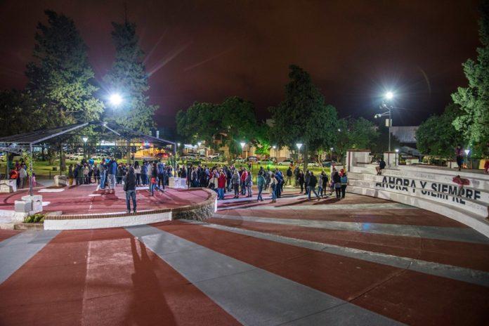 WhatsApp Image 2021 03 18 at 07.54.29 - El municipio puso en valor la Plaza Mitre