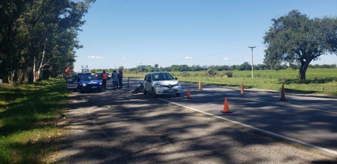 accidente ruta c45 aeroclub - Una motocicleta impactó contra la parte trasera de un auto