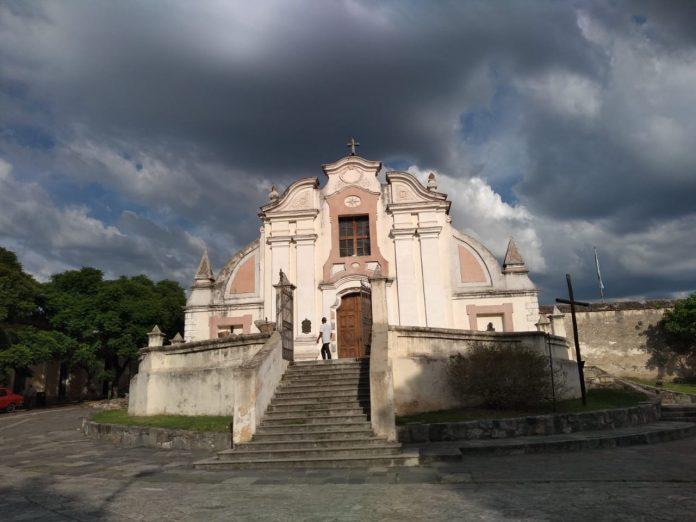 clima iglesia nubes - Se espera una máxima de 23º