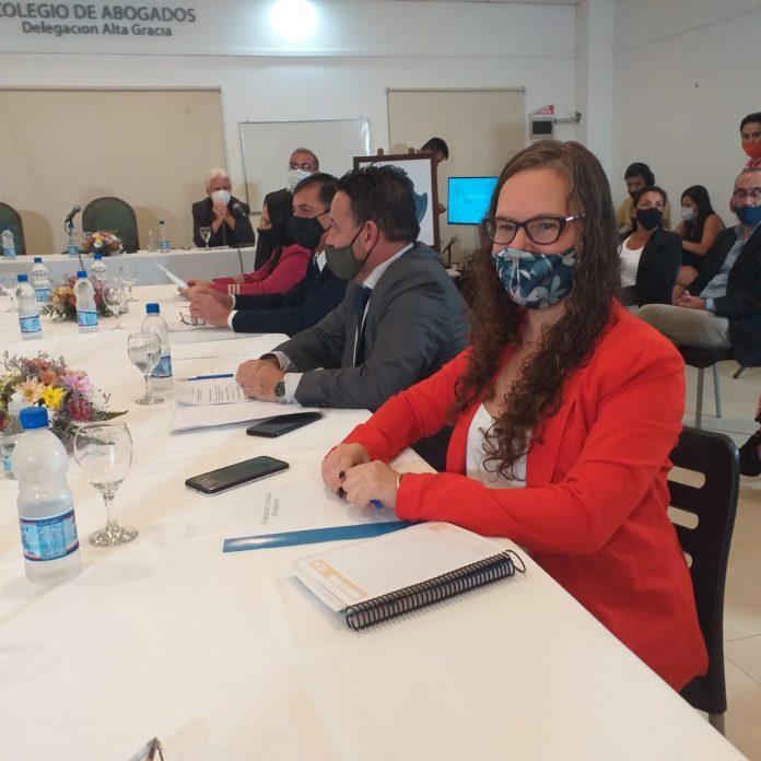 lucia allende sesion 2021 - La oposición cuestiona los montos de cánon para el Cine Monumental Sierras