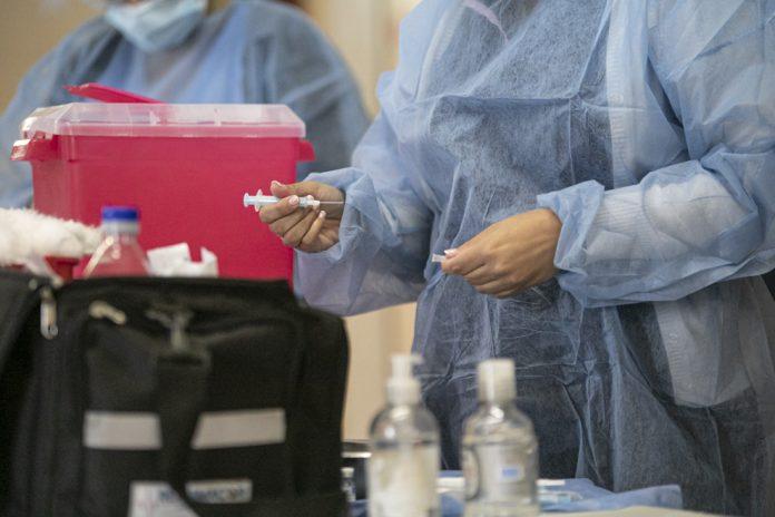 vacunacion cordoba prensa - El lunes continuará la vacunación con la primera dosis a mayores de 70