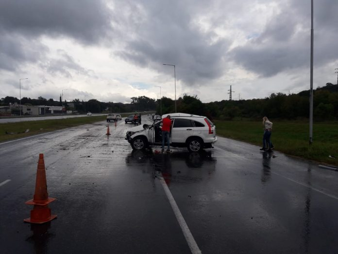 accidente ruta 38 - Perdió el control debido a la lluvia y embistió otro auto en el mismo carril