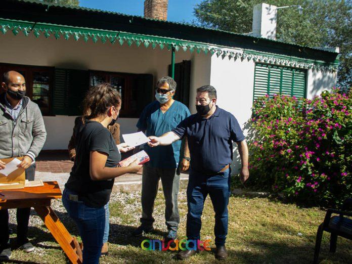 anisacate entrega subsidios - Anisacate: Se entregaron 42 ayudas económicas