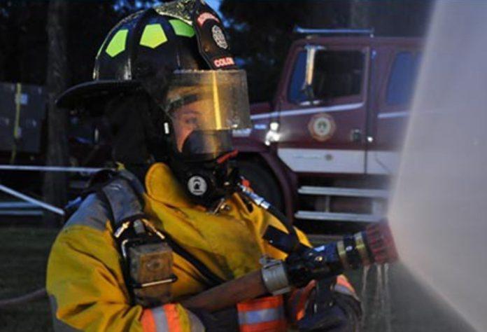 bomberos de colombia 0 - Una empresa local destacó a cinco mujeres bomberas y brigadistas