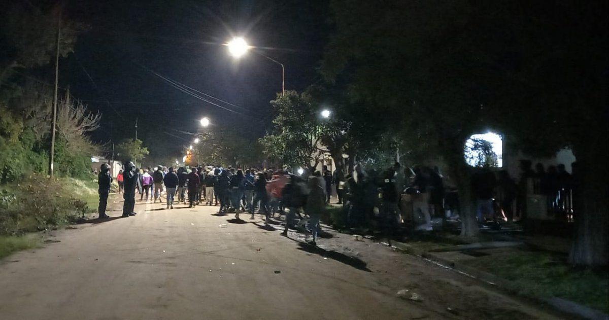 fiesta clandestina rio cuarto - Un total de 800 personas participaban en dos fiestas clandestinas en Río Cuarto