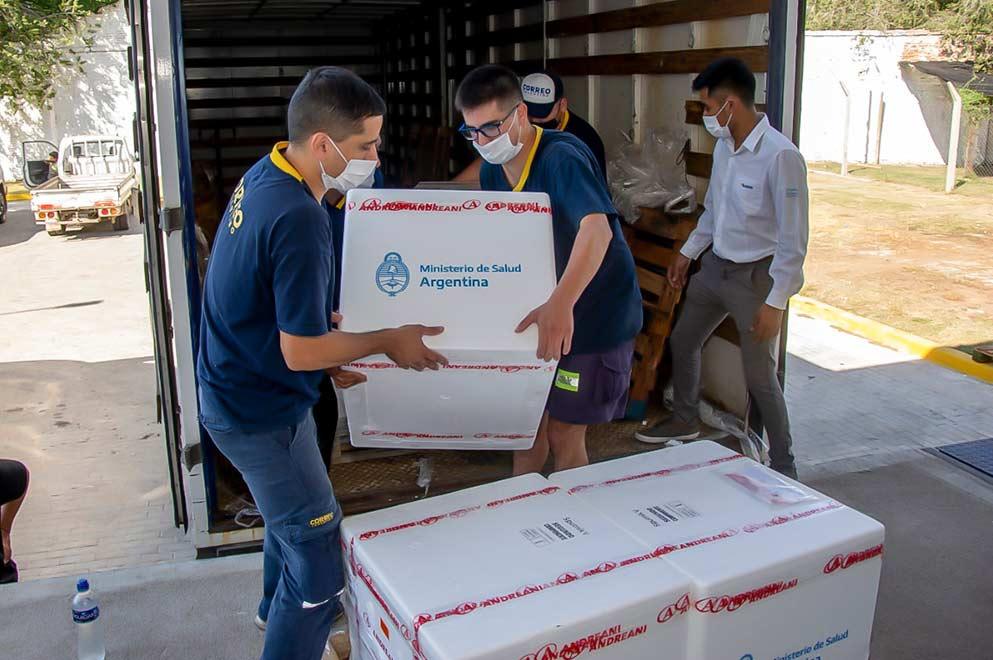 llegada de vacunas CBA - Córdoba recibió 61 nuevas dosis de vacunas