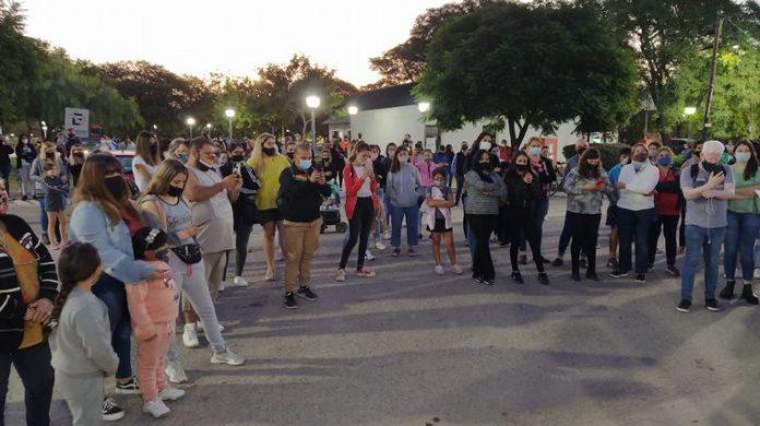 marcha x abuso - Marcha y protesta en Montecristo para pedir la detención de un acosador