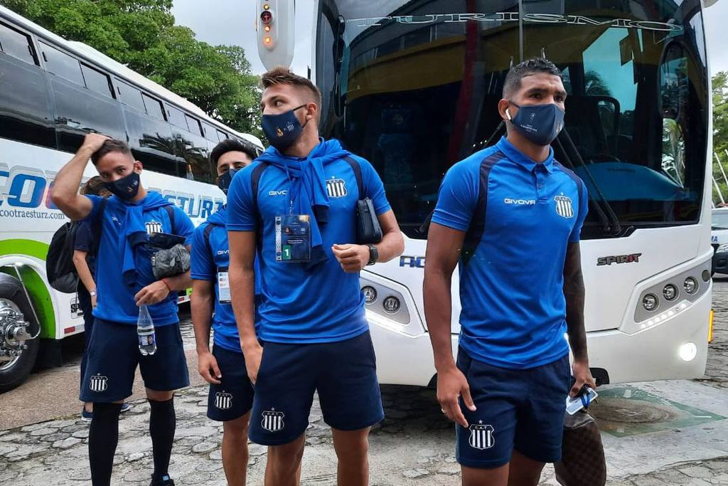 talleres regresa de colombia LVI G - Talleres regresa a Córdoba después de estar varado en Colombia