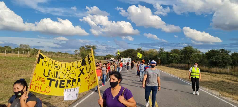 trabajadores unidos x la tierra marcha rio los molinos - Trabajadores Unidos por la Tierra reclaman por el acceso al Río Los Molinos