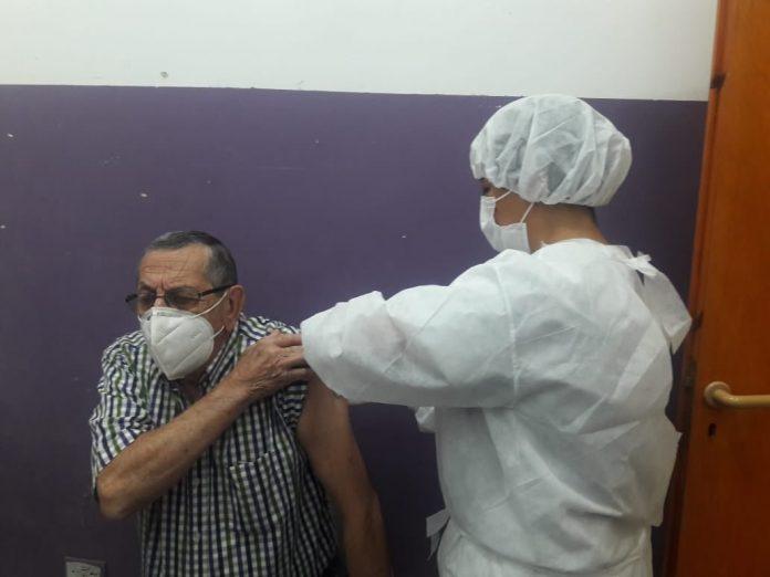 vacuna covid santa ana - Santa Ana: se colocaron 20 dosis de la vacuna contra el coronavirus