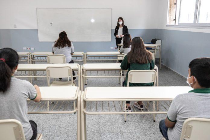 Clases con protocolo 1 - Vuelven las clases presenciales en Córdoba: los cambios a tener en cuenta
