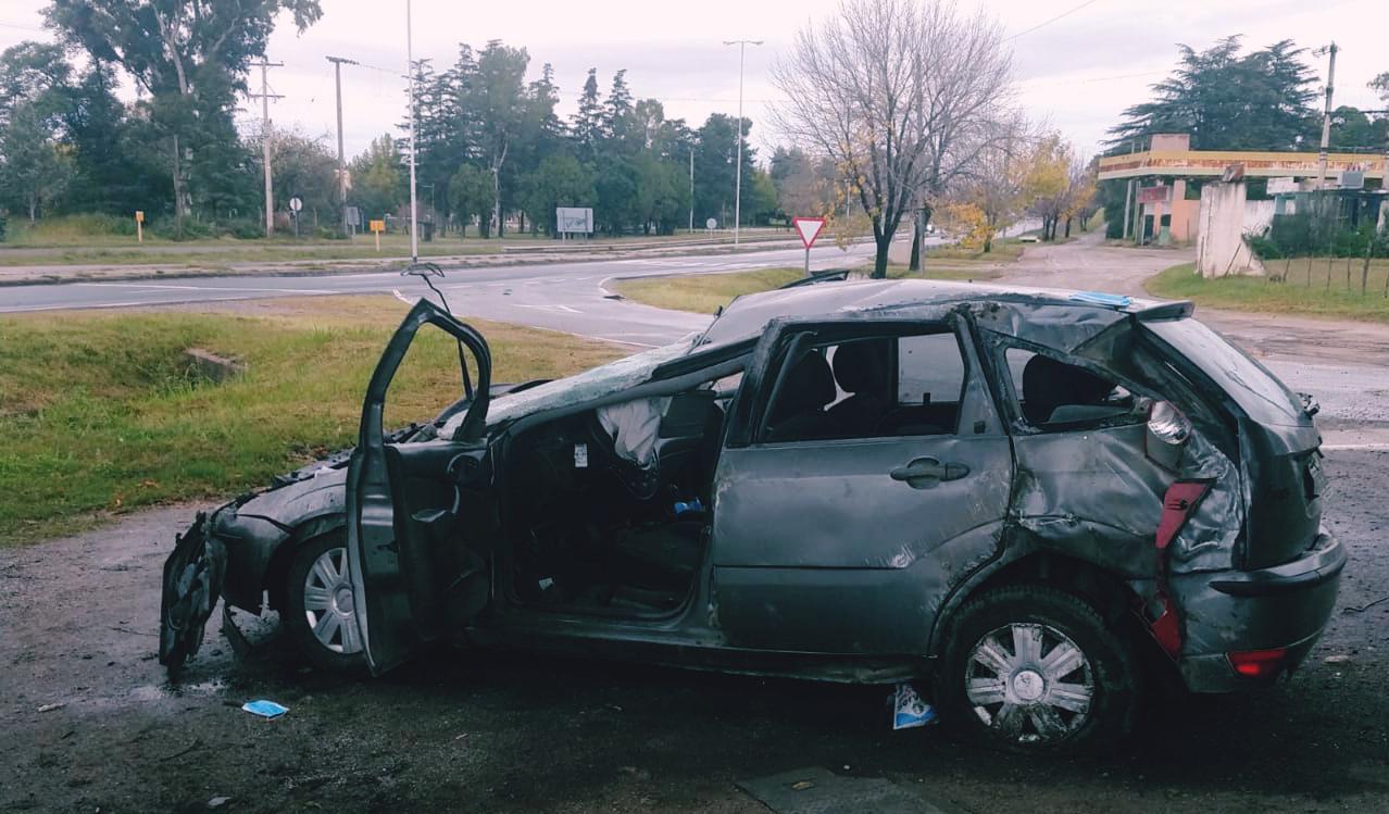 accidente ruta 5 - Dio varios tumbos tras perder el control de su auto