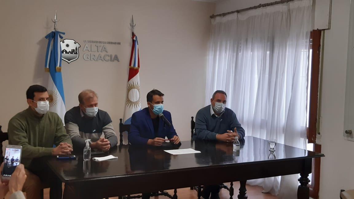 conferencia torres agazzi cugno dileo - Bono de 10 mil pesos para personal de salud y nuevo centro de testeos en barrio Paravachasca