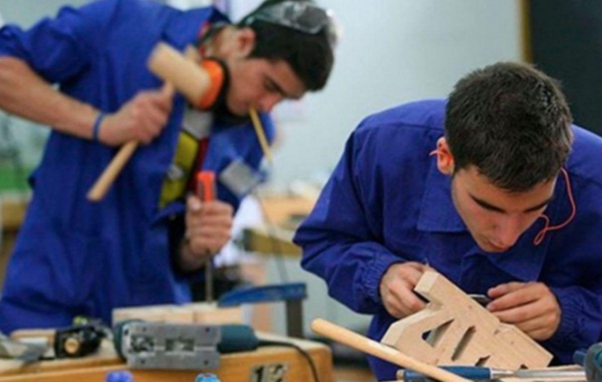 """empleo joven - Santa Ana abre las inscripciones para el programa """"Jóvenes con más y mejor trabajo"""""""