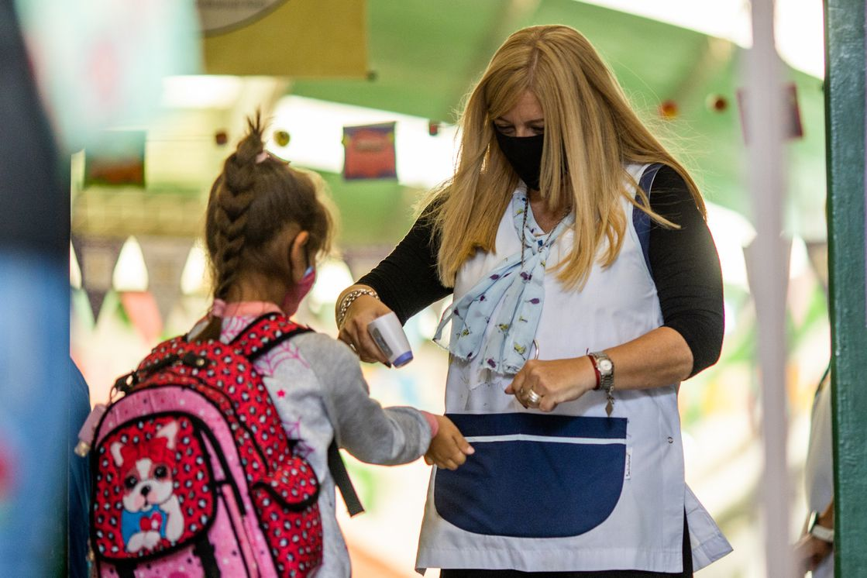 escuelas burbujas covid - Docentes sin vacunar y sin PCR no podrán ingresar a las escuelas