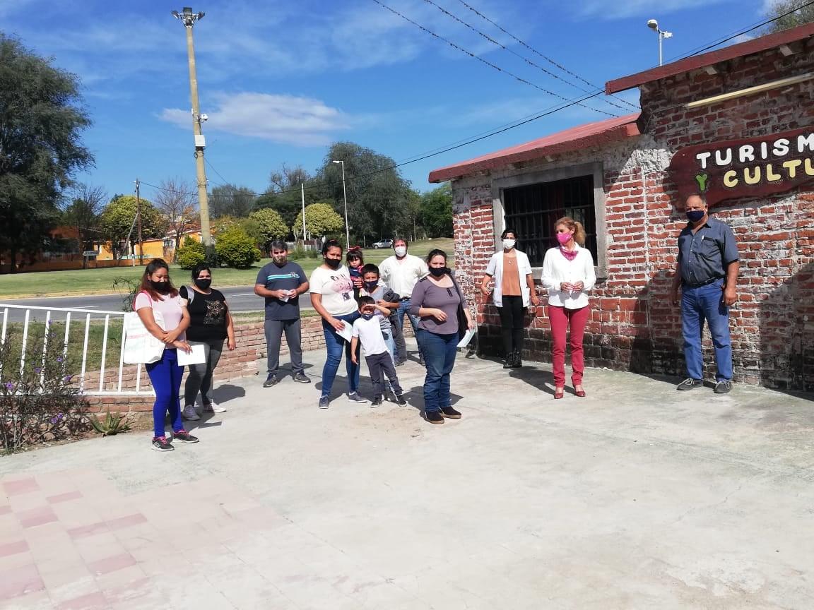 la bolsa ayuda economica - Vecinos de Villa La Bolsa recibieron ayudas económicas para reparación de sus viviendas
