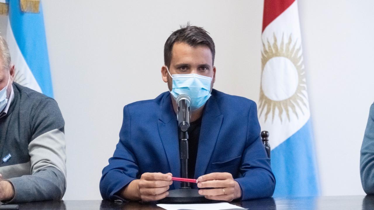 marcos torres barbijo - Alta Gracia adhiere a las medidas restrictivas anunciadas por la provincia