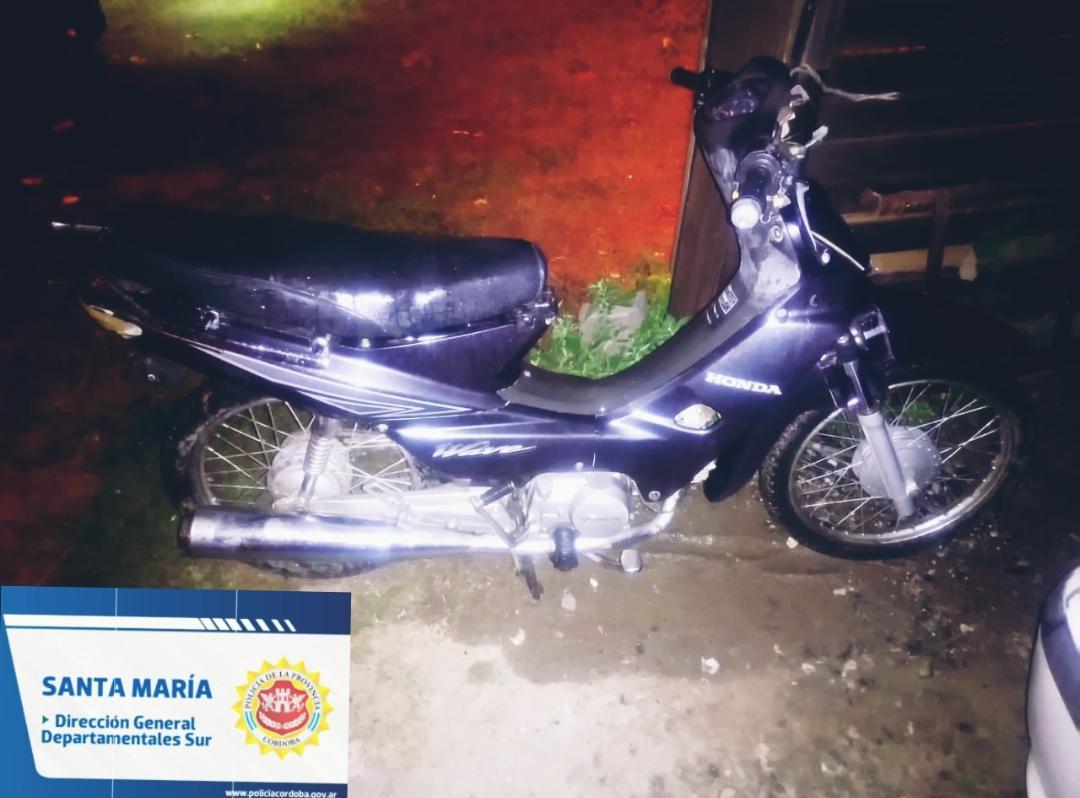 motocicleta - Recuperan motocicleta robada