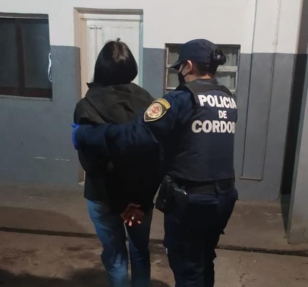 detenida fiesta clandestina 2 - Desarticularon fiesta clandestina en barrio Cámara