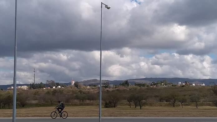 clima nubes potrero loyola - Sábado con buen tiempo y ventoso