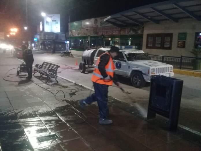 defensa civil limpieza de veredas covid alta gracia - Operativo de limpieza y desinfección de veredas del centro de la ciudad