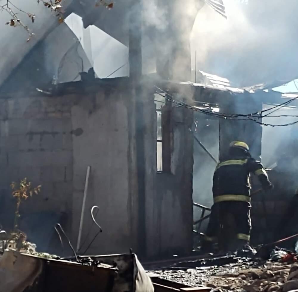 incendio calle rawson 2 - Colectan donaciones para la familia a la que se le quemó la casa
